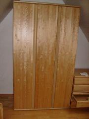 Kleiderschrank mit 2 Schubladenkommoden