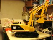 RC Kettenbagger CAT 375me