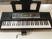 YAMAHA Digitales Stereo-Keyboard YPT-240 fast
