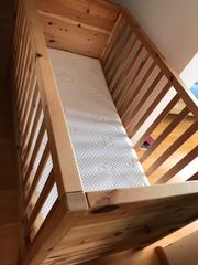 Kinderbett Echtholz Zirbe Vollmassiv in