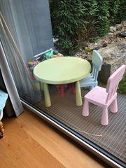 Ikea Kindertisch mit 2 Stühlen